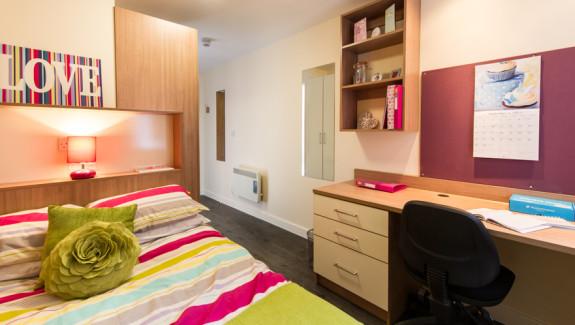 Neuadd-Penrhyn-En-Suite-Room